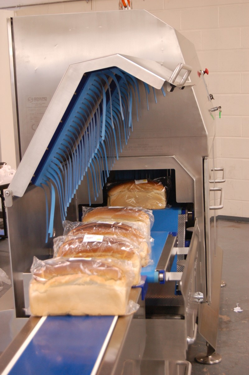 Metal Detectors or X-Ray? Three differentials food factories should consider