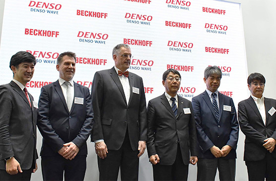 Japanese robot manufacturer DENSO WAVE breaks new ground with Beckhoff Automation