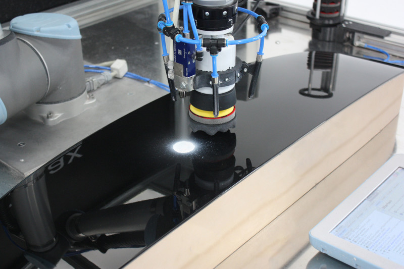 Shiny Surfaces thanks to simple and intuitive Robot Programming